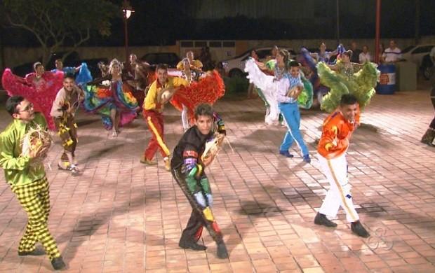 Quadrilheiros ensaiam pela primeira vez para a viagem (Foto: Bom Dia Amazônia)