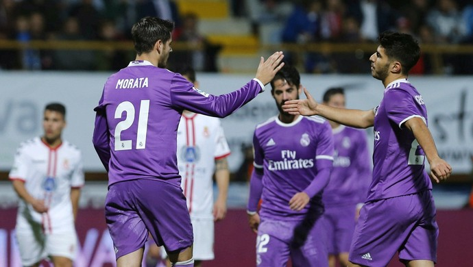 Morata e Asensio, Cultural Leonesa x Real Madrid (Foto: EFE/José Luis Cereijido)