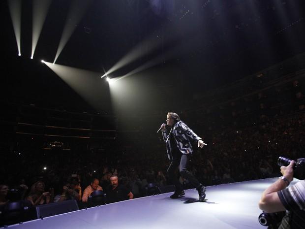 Mick Jagger durante apresentação dos Rolling Stones em Los Angeles, nos Estados Unidos (Foto: Mario Anzuoni/Reuters)