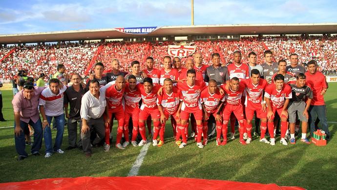 CRB posa para a fotografia (Foto: Ailton Cruz/ Gazeta de Alagoas)