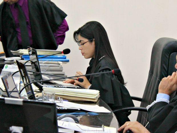 Desembargadora Marília Gurgel deu parecer durante o julgamento (Foto: Diego Toledano/ G1 AM)