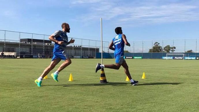 Bruno Rodrigo zagueiro Grêmio treino (Foto: Igor Póvoa / Grêmio FBPA)