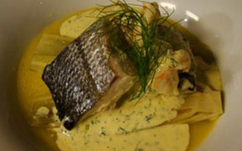 Peixe e camarões ao molho de cream cheese