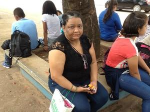 """ENEM 2016 – SÁBADO (5) – PORTO VELHO (RO) Vanderlea da Silva tem 45 anos e é Adventista. É segunda vez que faz o Enem e sonha em cursar Direito. """"Sou muito ansiosa, então o confinamento me deixa nervosa"""", conta. (Foto: Matheus Henrique/G1)"""