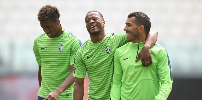 Evra e Tevez - Juventus (Foto: AFP)