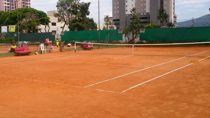Quadra saibro Clube de Campo de Mogi das Cruzes (Foto: Bruno Rocha)