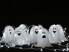 Fica a dica: fantasminha luminoso para decorar a casa no Dia das Bruxas