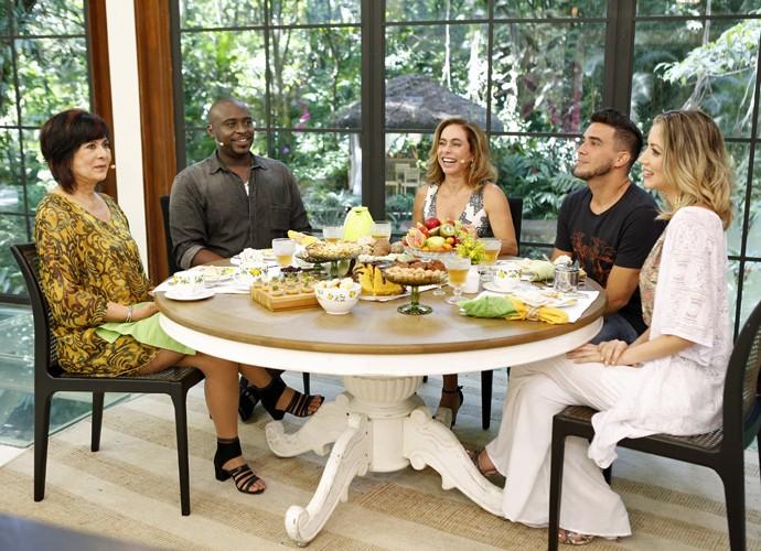 Harumi, William e Fernanda tomam café da manhã no Mais Você (Foto: Ellen Soares/Gshow)