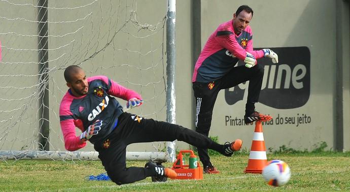 Danilo Fernandes sport magrão (Foto: Aldo Carneiro / Pernambuco Press)