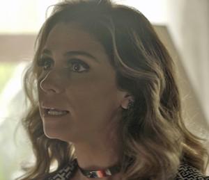 Atena dá notícias sobre Tóia para Romero (Foto: TV Globo)