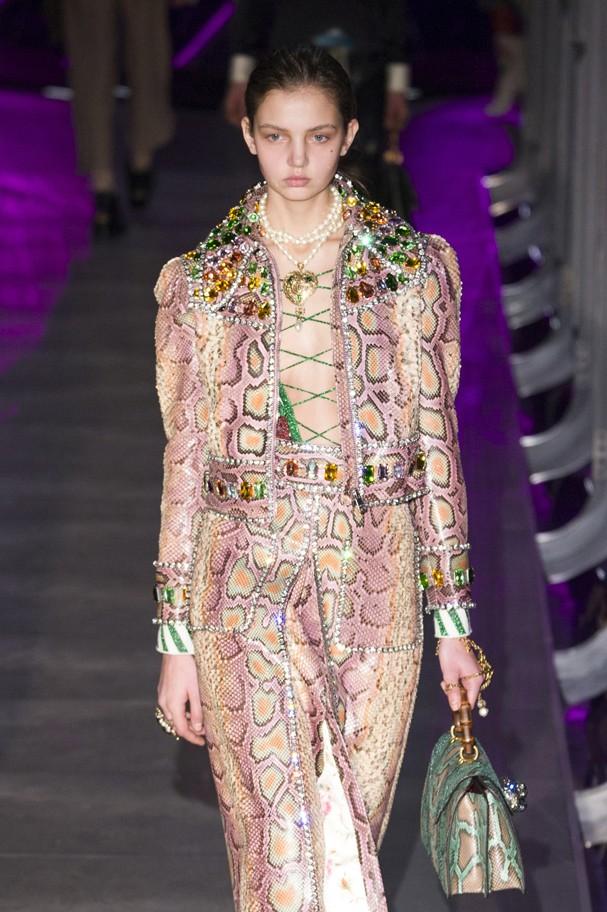 Rosa Millenial no desfile da Gucci (Foto: IMax Tree)