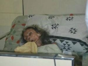 Filha é suspeita de ter agredido idosa (Foto: Reprodução/ TV Gazeta)