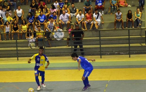 Decisão do Estadual de Futsal Sub-17 levou bom publico ao ginásio Hélio Campos (Foto: Rodrigo Litaif)