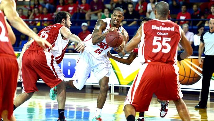 basquete jogo Pinheiros e Paulistano (Foto:  João Pires / Divulgação)