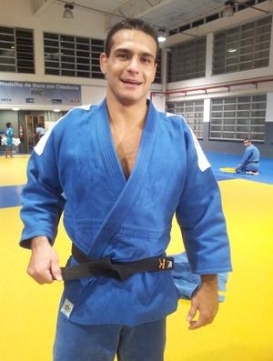 Leandro Guilheiro e seu amuleto (Foto: Lydia Gismondi / Globoesporte.com)