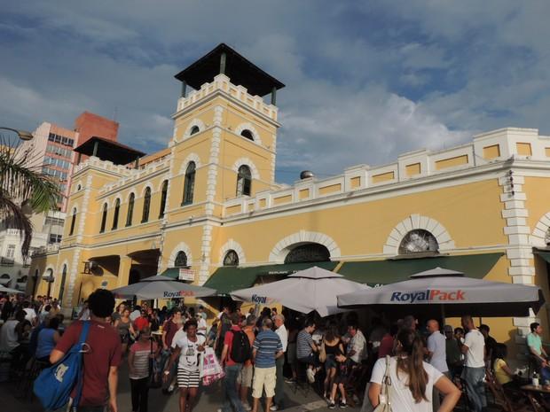 Empresas disputam ocupação dos boxes do Mercado Público (Foto: Géssica Valentini/G1)