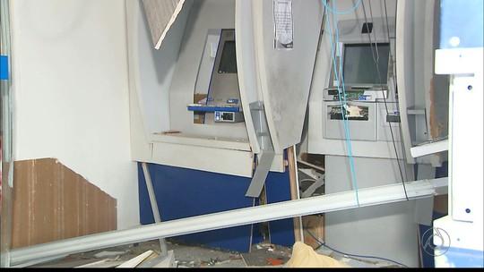 Grupo explode agência bancária e atira em prédio de promotoria na PB