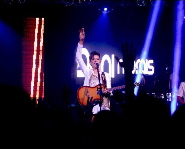 Dani Morais com Leo Santana show DVD (Foto: Divulgação)