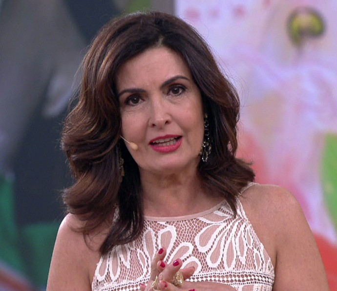 Fátima se emociona no Encontro (Foto: TV Globo)