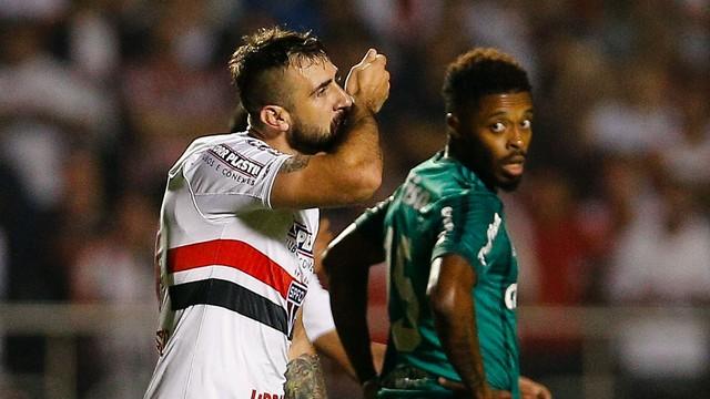 Apanhadão  Corinthians e Cruzeiro dividem a liderança do Brasileirão ... ace999859a926