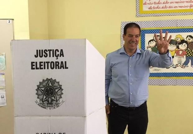 Afastado do cargo e considerado foragido, Ruy Muniz (PSB), conquistou votos suficientes para ir ao segundo turno (Foto: Repordução/Facebook)