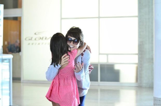 Maria Casadevall no aeroporto (Foto: William Oda / AgNews)