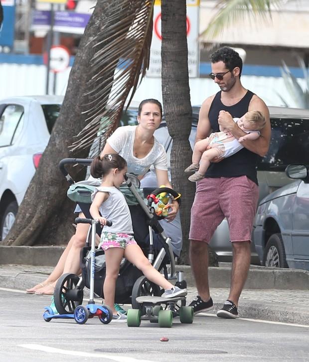 Mouhamed Harfouch com a sua família (Foto: Andre Freitas/Agnews)