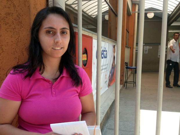 Candidata perdeu prova ao buscar documento no carro em Poços de Caldas (Foto: Lúcia Ribeiro / G1)