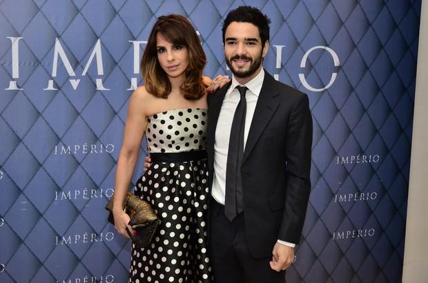 Maria Ribeiro e Caio Blat (Foto: Roberto Teixeira/EGO)