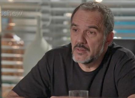 Teaser: Germano fica surpreso ao saber da proximidade de Jonatas e Leila