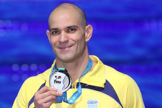 Nicholas Santos com a medalha de prata no Mundial de Budapeste (Foto: Satiro Sodré/SSPress/CBDA)