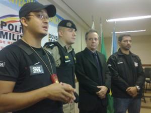 Operação foi realizada em conjutno com as Polícias Civil e Militar (Foto: Michelly Oda / G1)