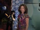 Solteira e aos 51 anos, Debora Bloch chama atenção em festa de novela