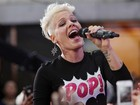 Pink diz que performances recentes de Miley Cyrus são 'vulgares'