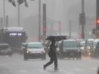 Chuva em SP deixa cidade em estado de atenção para alagamentos