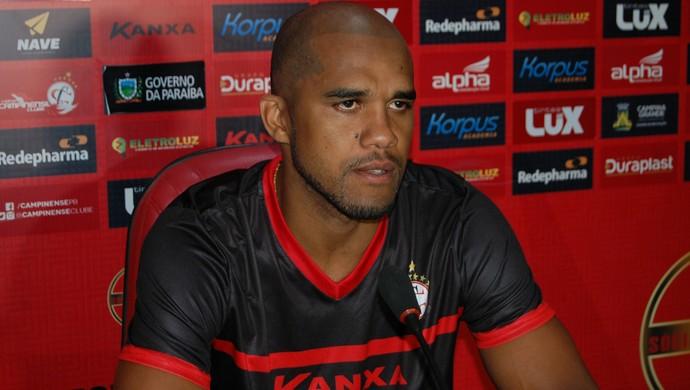 Reinaldo, atacante do Campinense (Foto: Silas Batista / GloboEsporte.com)