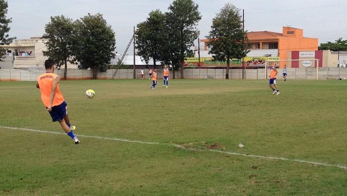 Treino do Grêmio Prudente em preparação para enfrentar o Primavera (Foto: João Paulo Tilio / GloboEsporte.com)