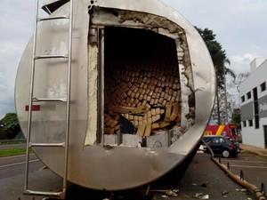 Droga estava dentro do tanque de caminhão (Foto: Divulgação / Polícia Rodoviária)