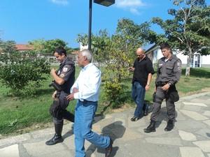 Vice prefeito chegou na prefeitura e foi impedido de trabalhar  (Foto: Victor Vianna/Arquivo pessoal)