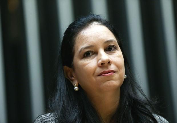 A Advogada-Geral da União, Grace Maria Mendonça, durante sessão em homenagem ao dia do advogado, na Câmara (Foto: Marcelo Camargo/Agência Brasil)