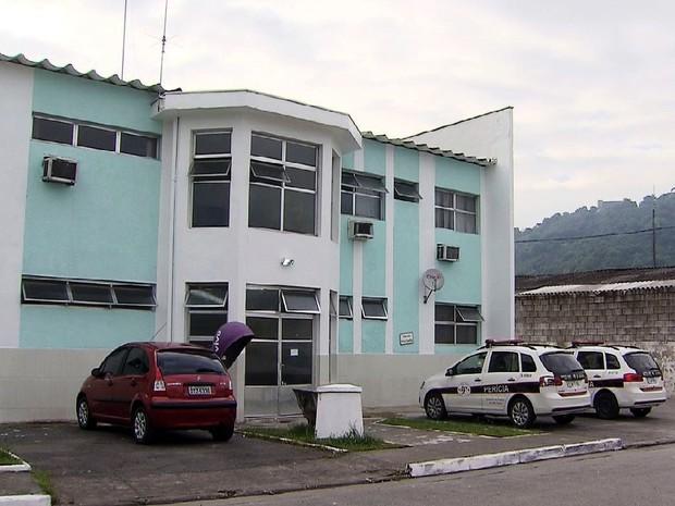 Instituto Médico Legal em Santos, SP (Foto: Reprodução / TV Tribuna)