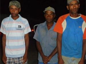 Três homens foram libertados após um quarto trabalhador fugir do local e denunciar o caso na polícia (Foto: São Fidélis Notícias / Vínícius Cremonez)