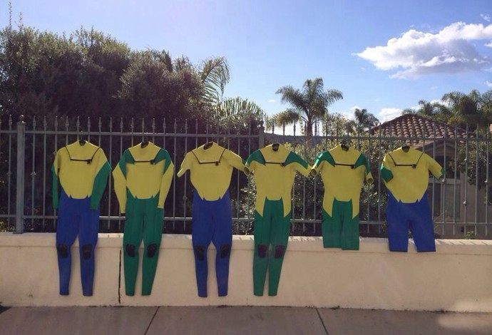 Pedro Scooby verde e amarelo (Foto: Henrique Pinguim)