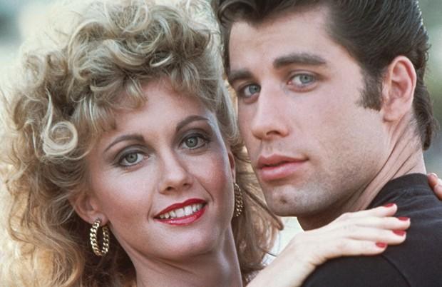 John Travolta e Olivia Newton-John em 'Grease' (1978) (Foto: Reprodução)