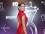 Isabella Santoni arrasa com vestido supercurto em evento de moda
