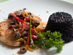 Bully's oferece filé de linguado no prato oferecido no almoço. (Foto: Hélio Filho/Divulgação Restaurant Week)