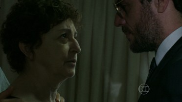 Hilda proíbe Alex de se aproximar de Angel