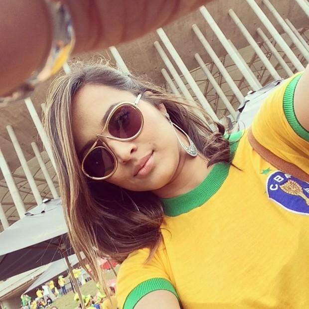 Neymar Daniel Alves Confira Os Boleiros Que Entraram: Thaíssa Carvalho, Namorada De Daniel Alves, Torce