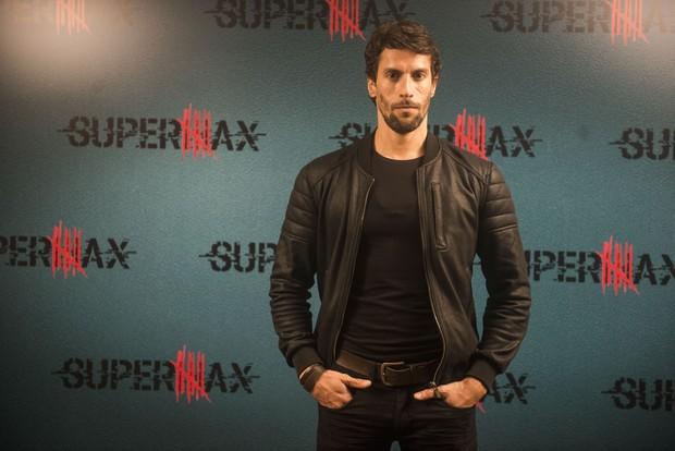 Bruno Belarmino, de Supermax, é a nova aposta de galã da Globo (Foto: Globo/Renato Rocha Miranda)