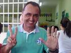 Rodney Miranda vota na Praia da Costa, em Vila Velha
